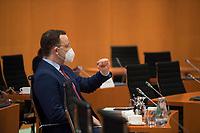 DEU, Deutschland, Germany, Berlin, 16.12.2020: Bundesgesundheitsminister Jens Spahn (CDU) mit Mund-Nase-Bedeckung vor Beginn der 124. Kabinettsitzung im Bundeskanzleramt. Aufgrund der Coronakrise findet die Sitzung derzeit im Internationalen Konferenzsaal statt, damit genügend Abstand zwischen den Teilnehmern gewahrt werden kann.