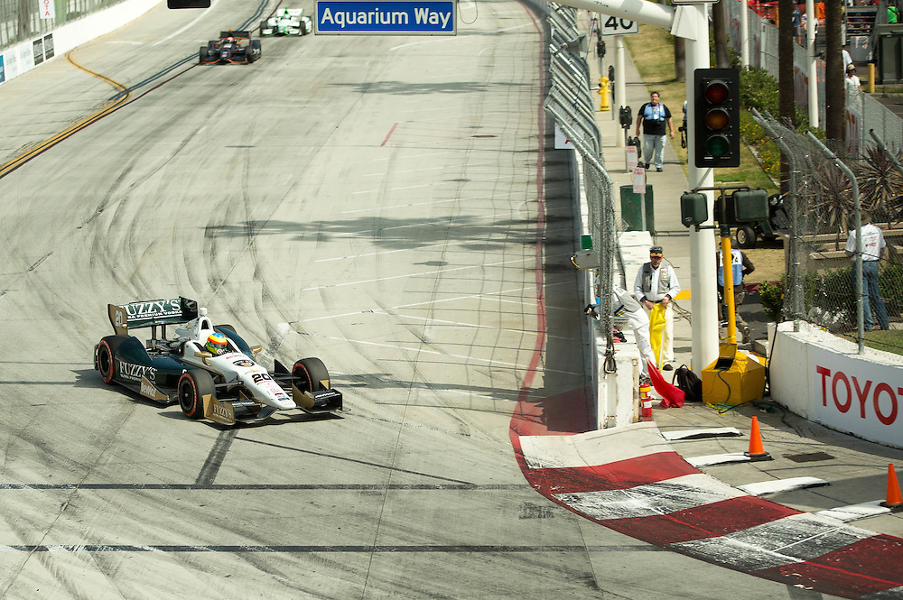 Mike Conway heading into turn 1 LBGP 2014