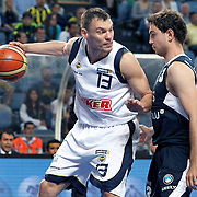 Fenerbahce's Sarunas JASIKEVICIUS (L) and Efes Pilsen's Ender ARSLAN (R) during their Turkish Basketball Legague Play-Off semi final first match Fenerbahce between Efes Pilsen at the Sinan Erdem Arena in Istanbul Turkey on Tuesday 24 May 2011. Photo by TURKPIX