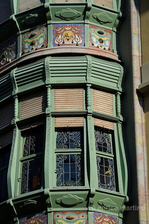 Barcelona. Casa Comalat, il retro.