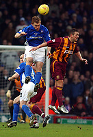 PICTURE BY DANIEL HAMBURY/SPORTSBEAT IMAGES<br />Nationwide Football League Division One    14/2/04<br /><br />Ipswich Town's Richard Naylor and Bradford Citys Dean Windass