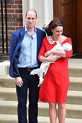 The Duke and Duchess of Cambridge and their newborn son outside the Lindo Wing at St Mary's Hospital in Paddington, London. Photo credit should read: Matt Crossick/EMPICS Entertainment