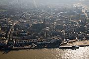 Nederland, Gelderland, Nijmegen, 11-02-2008; stadscentrum met Waalkade in de voorgrond; St. Stevenskerk, St. Stevenstoren; tegenlicht..luchtfoto (toeslag); aerial photo (additional fee required); .foto Siebe Swart / photo Siebe Swart