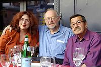 """22 AUG 2005, BERLIN/GERMANY:<br /> Monika Griefahn (L), MdB, SPD, Vorsitzende BT-Ausschuss fuer Kultur und Medien, Juergen Flimm (M), Regisseur, und Guenter Grass (R), Autor, waehrend der Vorbesprechung zur Diskussion zum Thema """"7 Jahre rot-gruene Kulturpolitik"""", Kulturbrauerei<br /> IMAGE: 20050822-03-027<br /> KEYWORDS: Jürgen Flimm, Günter Grass"""