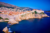 Croatie, Dalmatie, côte dalmate, Dubrovnik, centre historique classé Patrimoine Mondial de l'UNESCO, les remparts et le port // Croatia, Dalmatia, Dubrovnik, historical centre, Unesco World Heritage site, old town