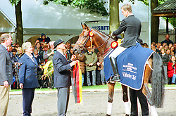 , Warendorf - Bundeschampionate 31.08. - 03.09.2000, Placido 39 - Möller, Ulf  Dr - Championatssiegert