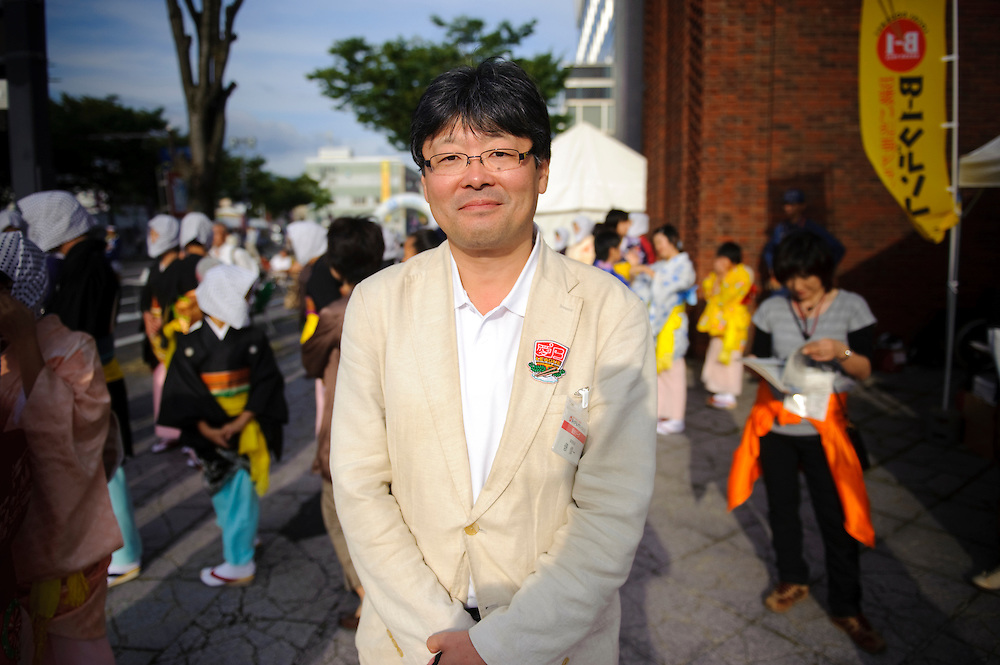 """Tawara Shinichi, Managing Director of the B1 organizing committee, B1 Grand Prix, Yokote, Akita Pref, Japan, September 19 2009. The B1 Grand Prix is a competition for inexpensive and tasty regional dishes from around Japan. The B stands for """"b-class gourmet"""". In 2009 it was held in the northern Japan city of Yokote."""