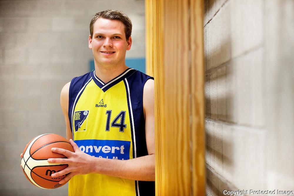 367359-Basketbalspeler Sam Tielens van BBC Geel-Geneinde 2 Tongerlo