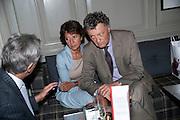 OLGA POLIZZI; WILLIAM SHAWCROSS. Diana Donovan, Olga Polizzi, Stuart Johnson host a cocktail reception to celebrate the publication of a Monograph of the Donovan Bar Photographs in the Donovan Bar at Brown's Hotel. Albermarle St. London. 8 September 2009.