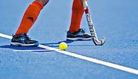 UTRECHT - ILLUSTRATIE ; ilustratief,  Gele bal, blauw kunstgras en hockeystick, zaterdag tijdens de  hockey interland tussen de mannen van Nederland en Duitsland (4-2). COPYRIGHT KOEN SUYK