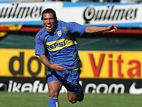 Fotball Argentina<br />26/10/03 BOCA JUNIORS (2 ) Vs. ESTUDIANTES (0 ). Football - Argentina. Eleventh match of the Torneo Apertura 2003. <br />CARLOS TEVEZ is celebrating a goal<br />Foto: Digitalsport