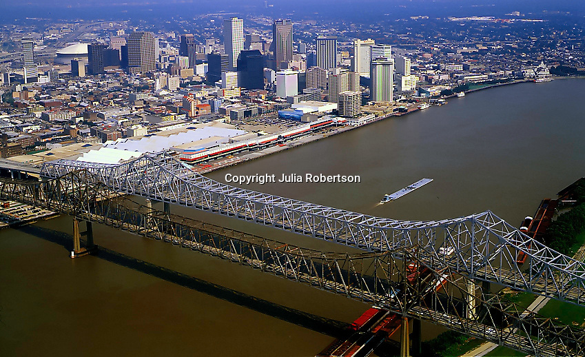 Aerial view of Crescent City Connection view towards New Orleans as seen in 2000 before Hurricane Katrina
