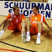 NLD/Almere/20070819 - EK kwalificatiewedstrijd Nederland - Wit Rusland, henk Norel en Aaron Roye rusten uit