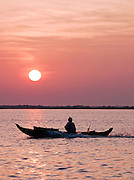 A small fishing boat on the huge Tonlé Sap lake, Cambodia