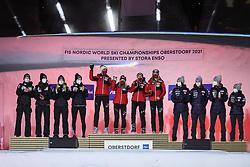 27.02.2021, Oberstdorf, GER, FIS Weltmeisterschaften Ski Nordisch, Oberstdorf 2021, Damen, Skisprung, HS106, Teambewerb, Siegerehrung, im Bild Team Slovenia, Team Austria, Team Norway // during the Award Ceremony for the women ski Jumping HS106 Team Competition of FIS Nordic Ski World Championships 2021. Oberstdorf, Germany on 2021/02/27. EXPA Pictures © 2021, PhotoCredit: EXPA/ Tadeusz Mieczynski
