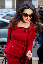 © Licensed to London News Pictures. 25/01/2016. London, UK. Amal Clooney arrives at Doughty Street Chambers in London to hold a press conference regarding her client, deposed former president of the Maldives Mohamed Nasheed. Photo credit: Tolga Akmen/LNP