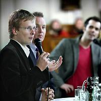 Nederland, Amsterdam , 10 februari 2010..De lijsttrekkers voor de Amsterdamse gemeenteraadsverkiezingen gaan op woensdag 10 februari met elkaar in debat in de Noorderkerk. In de aanloop naar 3 maart organiseert het Noorderpodium dit debat vanuit de Protestantse Kerk Amsterdam. De zeven lijstrekkers - Lodewijk Asscher (PvdA), Eric van der Burg (VVD), Laurens Ivens (SP), Maurice Limmen (CDA), Maarten van Poelgeest (GL), Hugo Scherf (CU) en Ageeth Telleman (D66) - kruisen de degens onder leiding van EO-presentator Tijs van den Brink..Foto:Jean-Pierre Jans