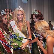 NLD/Nijkerk/20110710 - Miss Nederland verkiezing 2011, Jill Lauren de Robles, Kelly Weekers, en Jill Duijves
