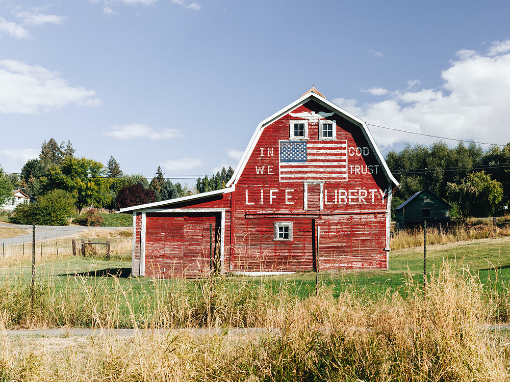 https://Duncan.co/red-barn-with-american-flag