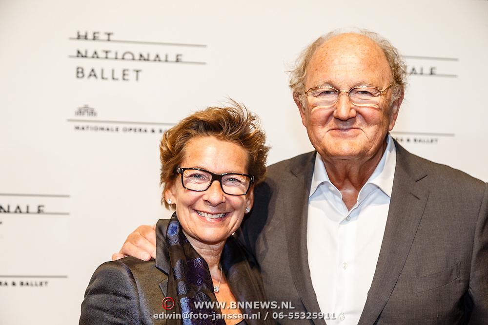 NLD/Amsterdam/20160206 - Premiere balletvorstelling Mata Hari, Joop van den Ende en partner Jeanine