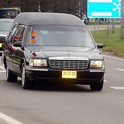 Overbrengen overleden prinses Juliana van paleis Soestdijk naar Noordeinde,