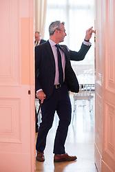 10.04.2019, Bundeskanzleramt, Wien, AUT, Bundesregierung, Sitzung des Ministerrats, im Bild Bundesminister für Verkehr, Innovation und Technologie Norbert Hofer (FPÖ) // Austrian Minister for Transport, Innovation and Technology Norbert Hofer before cabinet meeting at federal chancellors office in Vienna, Austria on 2019/04/10 EXPA Pictures © 2019, PhotoCredit: EXPA/ Michael Gruber