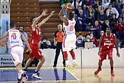 DESCRIZIONE : Varese Lega A 2013-14 Cimberio Varese vs Grissin Bon Reggio Emilia <br /> GIOCATORE : Clark<br /> CATEGORIA : Tiri<br /> SQUADRA : Varese<br /> EVENTO : Campionato Lega A 2013-2014<br /> GARA : Cimberio Varese Grissin Bon Reggio Emilia<br /> DATA : 13/10/2013<br /> SPORT : Pallacanestro <br /> AUTORE : Agenzia Ciamillo-Castoria/I.Mancini<br /> Galleria : Lega Basket A 2012-2013  <br /> Fotonotizia : Cimberio Varese  Lega A 2013-14 Cimberio Varese vs Grissin Bon Reggio Emilia<br /> Predefinita :