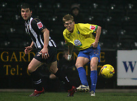 Photo: Paul Thomas.<br /> Notts County v Hereford United. Coca Cola League 2. 22/12/2006.<br /> <br /> Alan Connell (R) of Hereford passes it past Austin McCann.