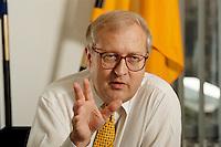 17.06.1998, Germany/Mainz:<br /> Rainer Brüderle, FDP, Minister für Wirtschaft, Verkehr, Landwirtschaft und Weinbau Rheinland-Pfalz, Interview in seinem Büro<br /> Rainer Bruederle, FDP, Minister of Economic Affairs, Traffic and agriculture of Rheinland-Pfalz, during an interview in his office<br /> IMAGE: 19980617-01/01-15<br />   <br /> <br />  <br /> KEYWORDS: Rainer Bruederle