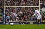 Twickenham. Surrey. UK England vs New Zealand, Autumn Internationals.<br /> Jonny WILKINSON, addresses the ball,with his kick to goal.<br /> 09/11/2002<br /> International Rugby England vs New Zealand [Mandatory Credit Peter SPURRIER/Intersport Images]