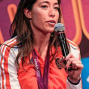 NLD/Amsterdam/20130116 - Vragenvuur kinderen tijdens Kidscollege 2013, Naomie van As