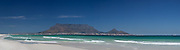 Table Mountain, the natural phenomenon that guards Cape Town to some degree from the prevailing South Easter wind