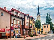 Plac Niepodległości, w tle kościół Trójcy Przenajświętszej w Grajewie, Polska<br /> Independence Square, in the background Neo-Gothic Church of the Holy Trinity in Grajewo, Poland