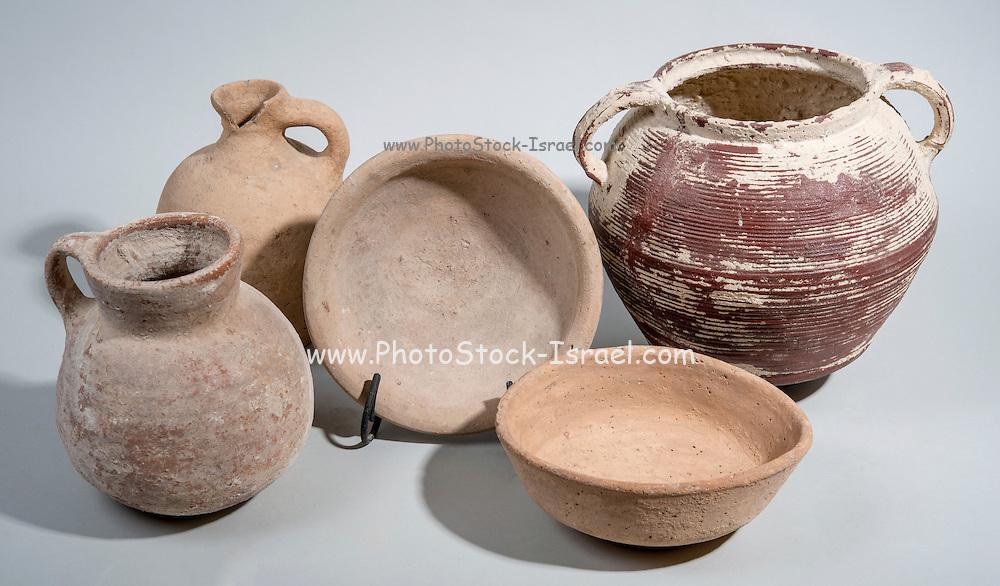 5 Iron Age Terracotta vessels 1st millennium BCE 2 bowls, cooking pot, jug and decanter