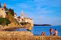 Croatie, baie de Kvarner, Ile et ville de Rab // Croatia, Kvarner bay, island and city of Rab