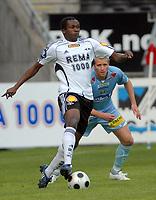Fotball Tippeligaen 16.05.08 Rosenborg ( RBK ) - Lillestrøm ( LSK ),<br /> Yssouf Koné RBK og John Anders Bjørløy LSK, <br /> Foto: Carl-Erik Eriksson, Digitalsport