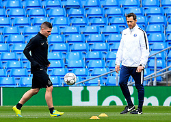 Marco Verratti of PSG carries out a fitness test - Mandatory byline: Matt McNulty/JMP - 07966386802 - 11/04/2016 - FOOTBALL - Manchester City v PSG - Etihad Stadium -Manchester,England - UEFA Champions League