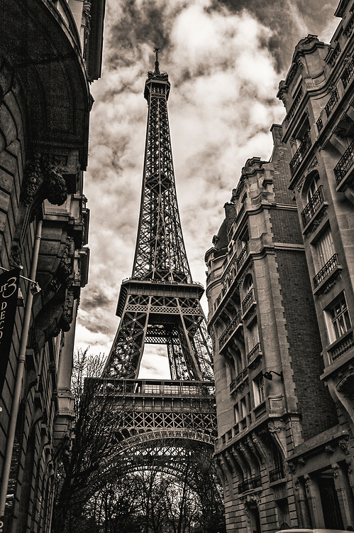Black and white photograph of the Eiffel Tower in Paris, France