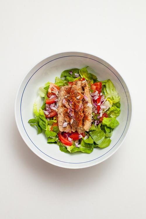 Sardine, Lettuce, & Tomato Salad from the fridge (m€)