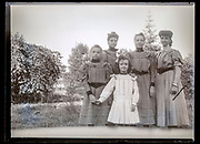girls only family group portrait France ca 1920s