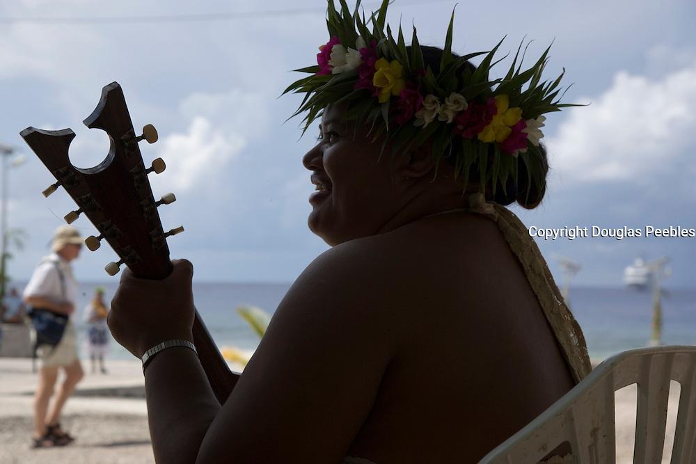 Ukulele, Takapoto, Tuamotu Islands, French Polynesia, (Editorial use only)<br />
