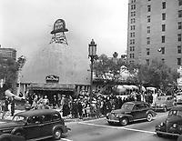 1941 The Brown Derby Restaurant on Wilshire Blvd.