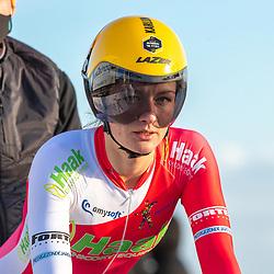 11-03-2021: Wielrennen: Healthy Ageing Tour: Lauwersoog <br />Karlijn Swinkels