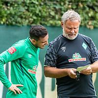 24.07.2020, Trainingsgelaende am wohninvest WESERSTADION,, Bremen, GER, 1.FBL, Werder Bremen Training, im Bild<br /> <br /> <br /> <br /> Kevin Möhwald / Moehwald (Werder Bremen #06) Individuelles Training - Start auf die neue Saison / Rega Training mit Jens Beulke (Leiter Athletik, Prävention und Reha SV Werder Bremen) auf Platz 10 am Freitag morgen<br /> <br /> Foto © nordphoto / Kokenge