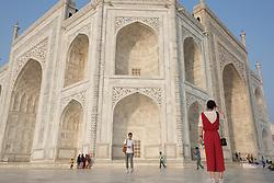 May 30, 2017 - Agra, India - People stand around the Taj Mahal at sunrise, Agra, India 31.05.17 (Credit Image: © Louise Wateridge/Pacific Press via ZUMA Wire)