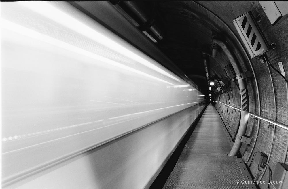 Underground train, RET