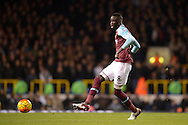 Cheikhou Kouyate of West Ham United passing the ball. Barclays Premier league match, Tottenham Hotspur v West Ham Utd at White Hart Lane in London on Sunday 22nd November 2015.<br /> pic by John Patrick Fletcher, Andrew Orchard sports photography.