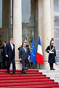 Staatsbezoek aan Frankrijk dag 1 - Ontvangst door president Hollande <br /> <br /> State Visit to France Day 1 -Welcome by President Hollande<br /> <br /> Op de foto / On the photo: