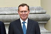 Het nieuwe kabinet Rutte III op het bordes van Paleis Noordeinde. <br /> <br /> Op de foto:   Bruno Bruins - minister voor Medische Zorg