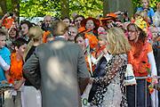 KONINGINNEDAG 2009 in Apeldoorn / Queensday 2009 in the city of Apeldoorn.<br /> <br /> Op de foto / On the Photo: Princes Maxima , Willem Alexander and Mabel